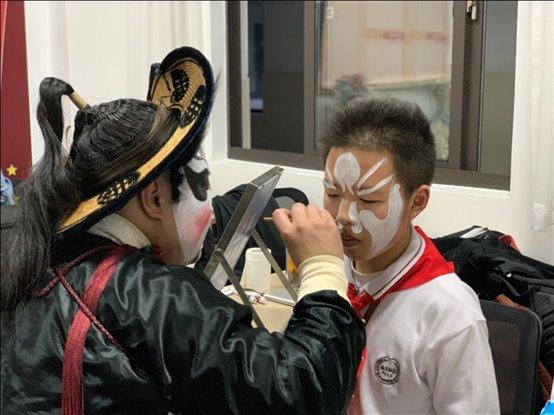 E:photo8学年9.5校园文化艺术节昆曲进校园(赵小君)mmexport1557407246210.jpg